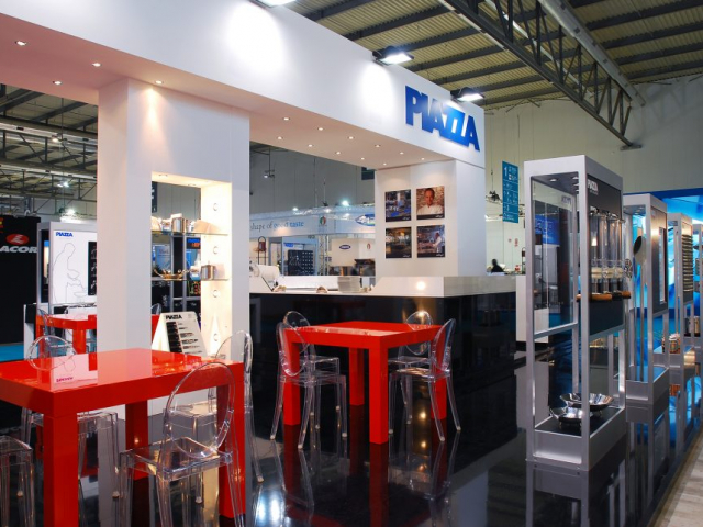 stand PIAZZA   host Milano